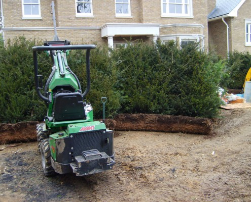 Instant hedge root cutting machine