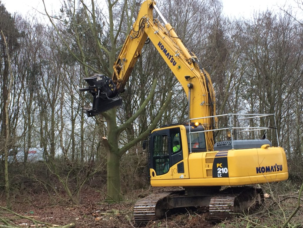 Tree clearance 16 inch on 21t Excavator