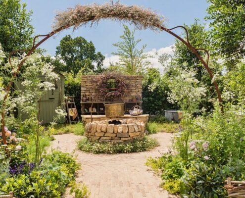 Practical Instant Hedge for Naturecraft Garden