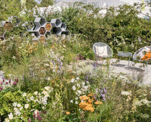Practical Instant Hedge for Urban Pollinator garden